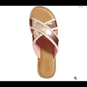 Toms rose gold sandals NWOT